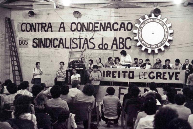 Ato contra a condenação dos sindicalistas do ABC pela LSN (São Paulo- SP, 1981). Foto: Vera Jursys.